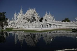 チェンライの白いお寺
