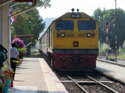 タイ国鉄ローカル列車でプラチュアップキリカンからホアヒン→復路はバスでバンコクへ