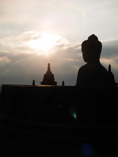 【インドネシア】3/5作目 ゜*・ジョグジャカルタ★ボロブドゥール遺跡の夜明け・*゜