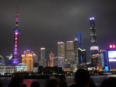 初めての中国大陸 上海0泊3日弾丸1人旅 その4 上海タワー夜景観賞と上海蟹の夕食そして帰国
