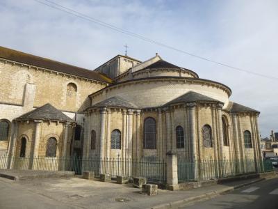 休暇でロマネスク旅 ポワティエ 4 巡礼路「トゥールの道」の教会 in 聖ティレール・ル・グラン教会