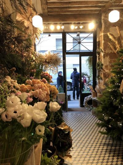 修行?旅行!?冬のパリ・母とふたり旅②ラデュレでパンペルデュ~マレ散策~ギャラリーラファイエットのクリスマスツリー☆
