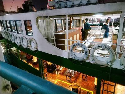 クリスマス前の香港2★フェリーで移動 馬灣から中環、そして尖沙咀へ ~金牌小龍~