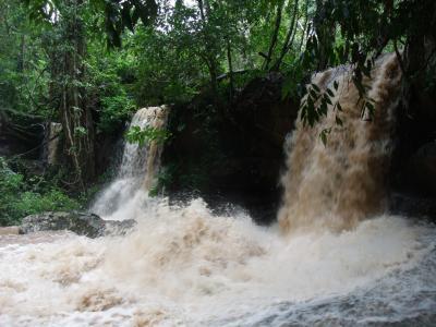 プチ贅沢!アンコール遺跡群満喫の旅 3日目 雨の山登り水中遺跡で大疲弊の巻