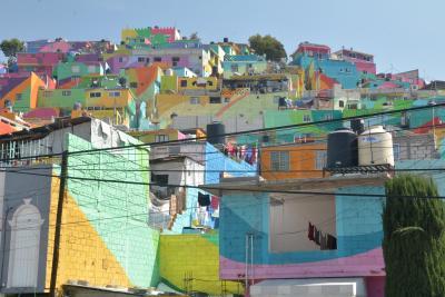 ビバ メヒコ メキシコシティからカラフルタウンパチューカを訪れました。