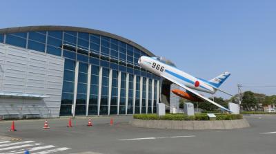 【エアーパーク航空自衛隊浜松広報館と浜松八幡宮】