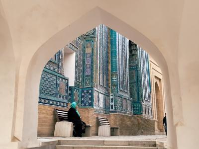 ドキドキの初・中央アジア一人旅は、ウズベキスタンへ! Vol.3 サマルカンド・ブルーに魅せられて…シャヒーズインダ廟群のイスラム建築編