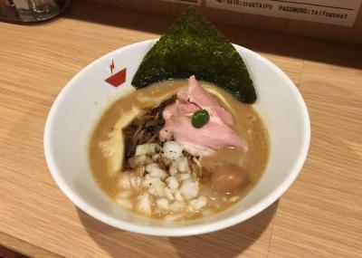 """人形町 """"crab 台風"""" の蟹そば!"""