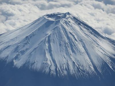 富士山の雄姿(成田から福岡への機内から)