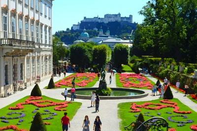 ザルツブルグ音楽祭とサウンド・オブ・ミュージックの地を訪ねて&宮殿ホテル「シュロス・レオポルドスクロン」(トラップ大佐邸ロケ地)紹介