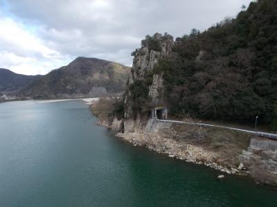 巨石信仰の聖地 石畳神社と戦国時代の古戦場 荒平山城跡