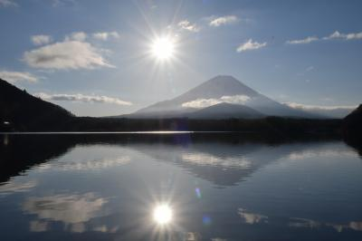 今年もこれから!2020年は絶景の初日の出を求めて精進湖、富士山の旅 #世界遺産から始まる1年。今年も素敵な旅に出会えますように。#