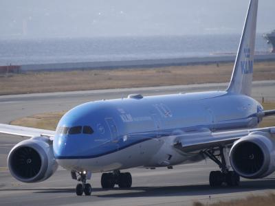 青春18きっぷで関空へ、航空機撮影。