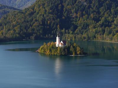 個人で行く秋のクロアチア、スロベニア+2ヵ国周遊旅行 9. ブレッド湖.  ポストイナ鍾乳洞
