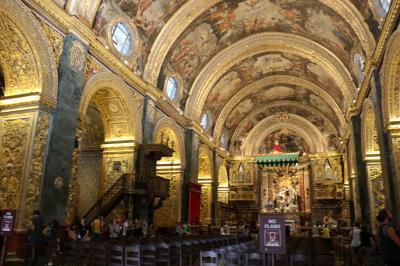 ナポリ&近郊+東シチリア島ドライブ+マルタ島ドライブ旅行 18日間 【36】 17日目(2)  豪華絢爛なバロック様式の教会