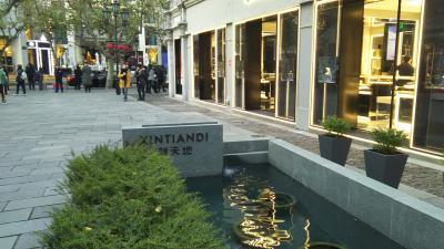 同級生女子旅、二泊三日の格安ツアーで上海蟹と5つ星ホテルを堪能3
