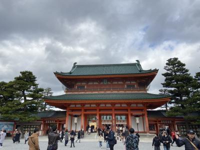 京都東山を初詣ぶらり散歩−平安神宮・祇園・錦市場と先斗町で京懐石−