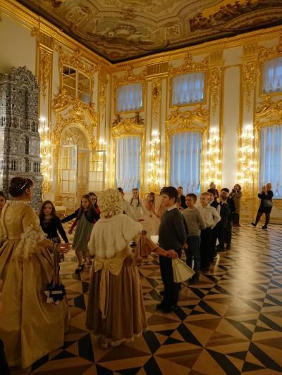 初めてのロシア&ヘンシンキ。冬のイルミネーションに輝く街めぐり。その②エカテリーナ宮殿と街歩き