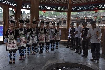 感激と浪漫の旅 少数民族を訪ねて鎮遠→従江→銀潭→トン族村