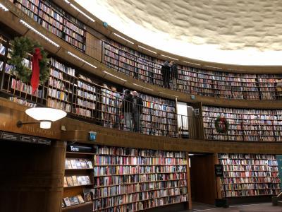 クリスマス IN スウェーデン! その3.三日目は、市立図書館とショッピング、そして地下鉄めぐりも。