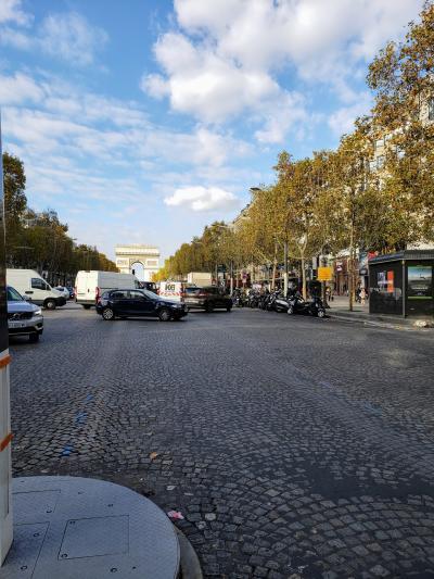パリへの道のりは遠い5日目  観光最終日 パリの街を西へ東へ①
