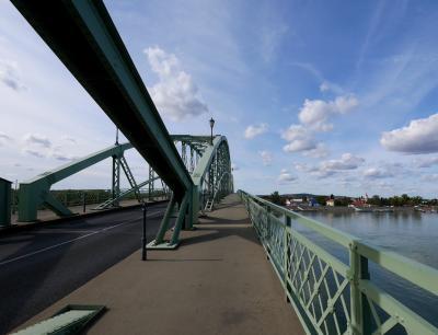 2019.10ハンガリー・ウイーン旅行8-国境の橋Maria Valeria橋を渡って,スロヴァキアのシュトロヴォへ,昼食がおいしかった