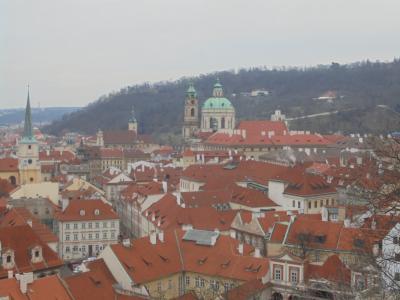 ?プラハ 幸福感につつまれながらの プラハ城からの日の出