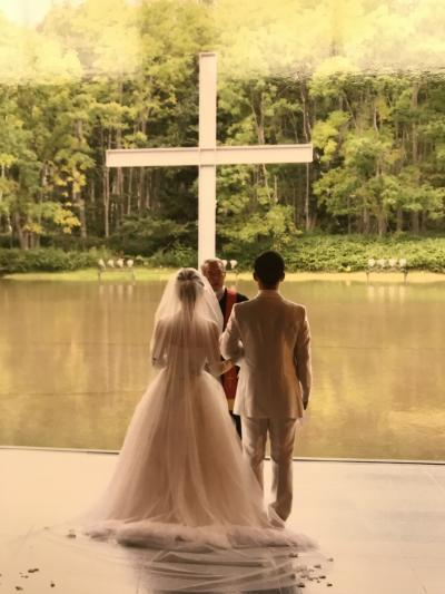 秋の北海道◇星野リゾートナーレトマムの水の教会で甥が挙式☆花嫁さんのお披露目の食事会へ…。
