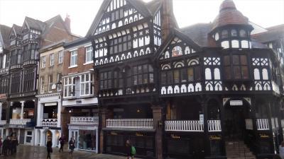 秋のイングランド カントリーサイドを歩く 22 中世の街 チェスター