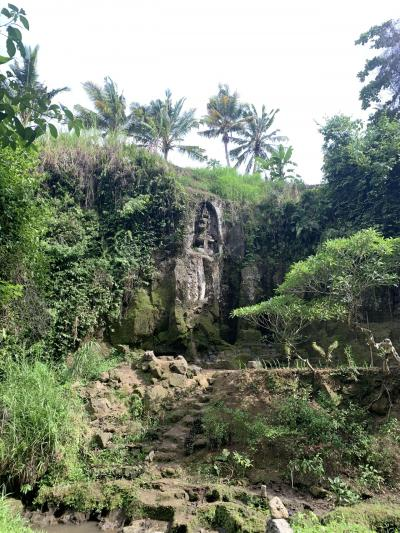 息をひそめる古代遺跡