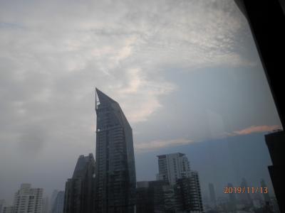 bkk9回12火曜1コンパス・スカイビューホテルに滞在中の空