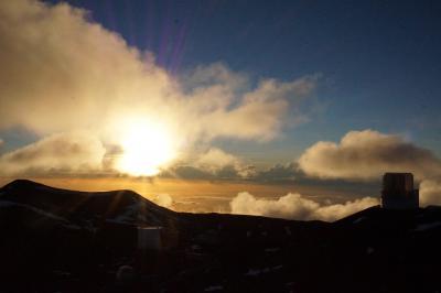 ハワイ島12日間 9日~10日目;プウコホラの史跡とビーチ、マウナケア山頂の夕陽と星空観察