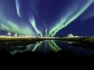 アイスランドの氷河とレイキャビークの年越し