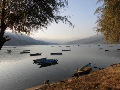 ネパールひとり旅 ポカラでライトプレーン タメルからバイクでナガルコットへ 2