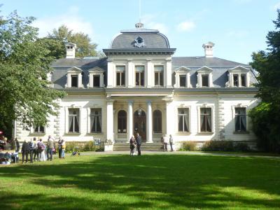 2019年ドイツのメルヘン街道と木組み建築街道の旅:④オルデンブルク大公家の夏の別荘ラシュテーデ城を訪ねる。