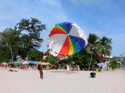 パトンビーチとホテルで 特に何もしない贅沢な一日♪
