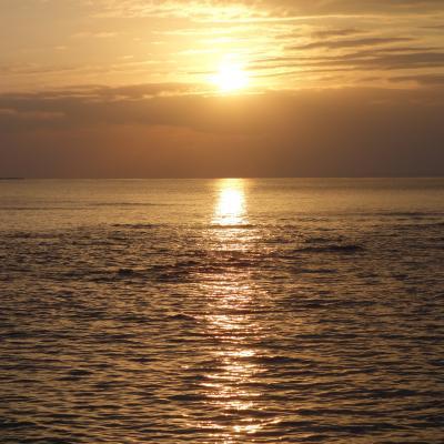 沖縄(1.6) サンセット・ビーチでサンセットを眺める。優雅なひと時。