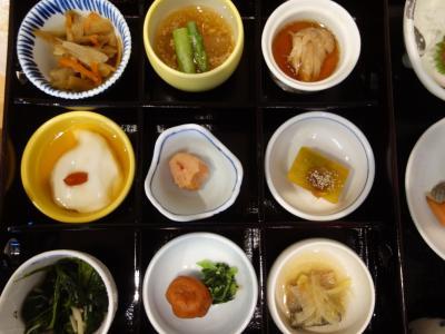 沖縄(2.1) 朝食会場は大混雑。30分待たされました。