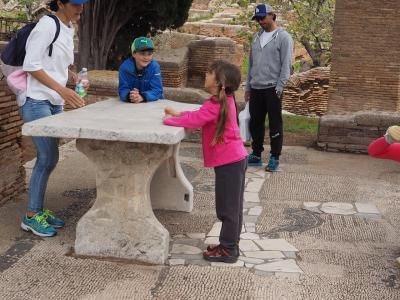 ロマンを 感じる古代遺跡、消えた海港都市 オスティア・アンティカ とカステル デル モンテ☆彡19年春《8》