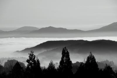 ◆悠久の里・岩瀬~沸き立つ雲海と静寂のダム湖