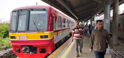 ジャカルタに日本の中古電車を訪ねて