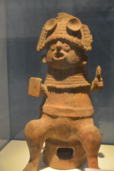 ビバ メヒコ グアダラハラ地方博物館へ行きました。