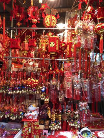 寒さに震えた台北 旧正月準備で大賑わい