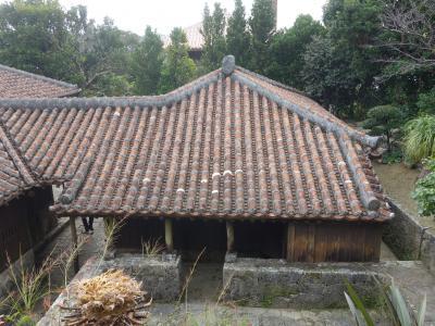 沖縄(3.2) 中村家住宅をみる。裕福な農家だったようです。玄関がないのに気がつきました。