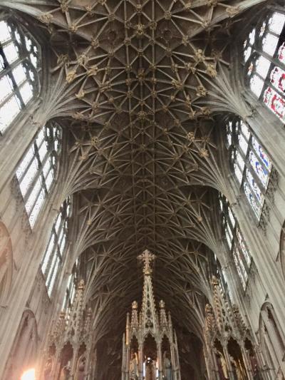 ロンドン・パリ・ディズニーの旅ふたたび2日目前編~ハリーポッターのロケ地を見るためにグロスター大聖堂へ行ったけど‥