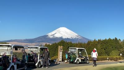絶景『富士山』娘のGOLF熱VS真冬の晴天富士山麓  コリャ巧くなるわぁ ⛳☀