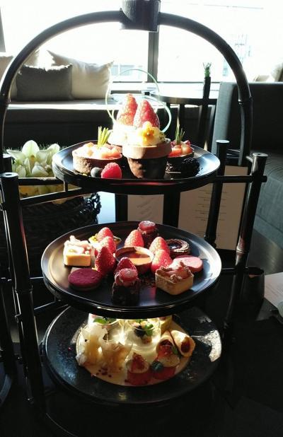 アマン東京 ⭐五つ星の ストロベリーアフターヌーンテイに行って来ました❣キラキラのお茶会です。