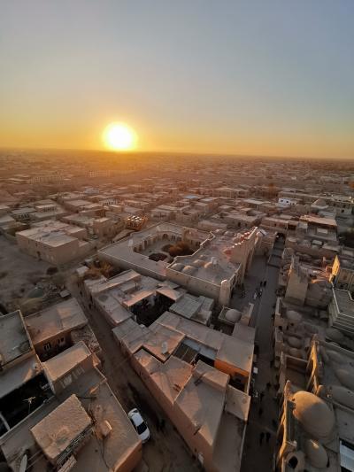 ウズベキスタン2019・・・(9)イスラーム・ホジャのミナレットからのヒヴァ市街夕景