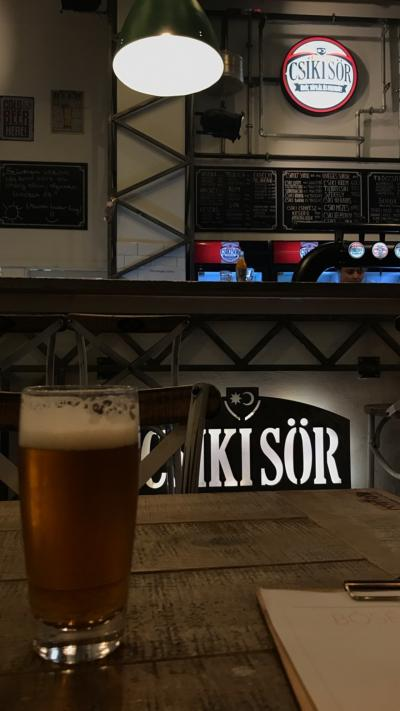 チーク・ビール「Csiki Sor」を飲みに行った。