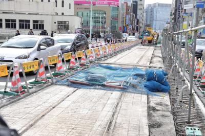 都電錦町線の線路が出現